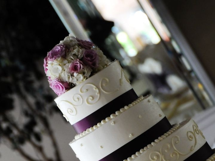 Tmx 1347908506345 7237SowardsKristinaSBBShuller Cincinnati, Ohio wedding cake