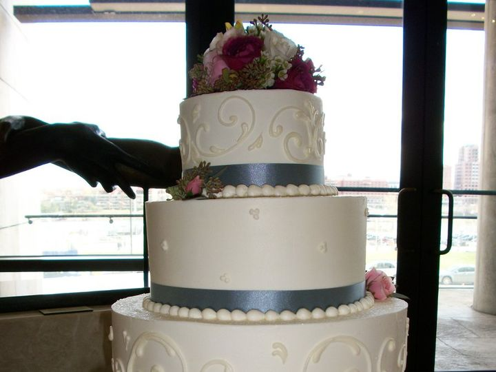 Tmx 1347909698605 20081031412110080 Cincinnati, Ohio wedding cake