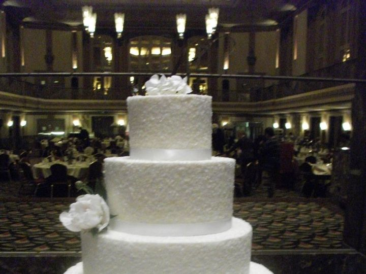 Tmx 1347910360555 DSCF5746 Cincinnati, Ohio wedding cake