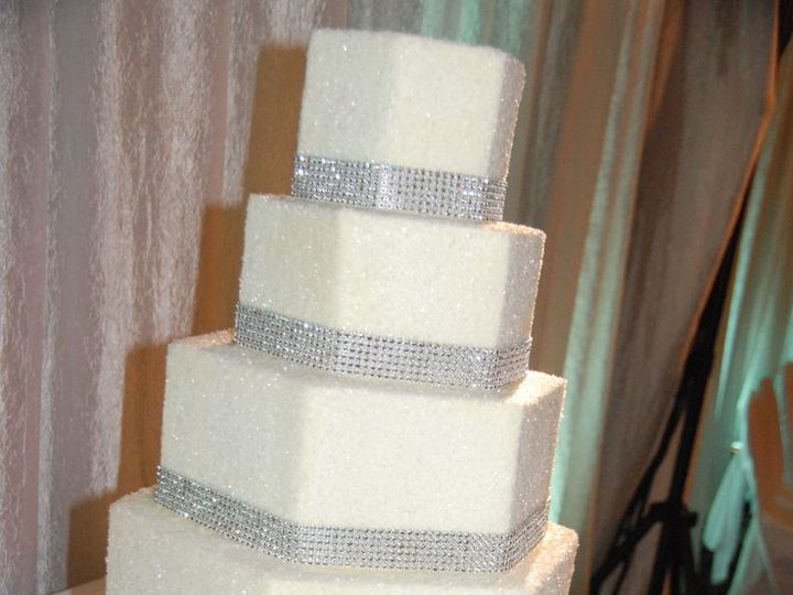 Tmx 1347910434162 Hester21112WCSBB Cincinnati, Ohio wedding cake