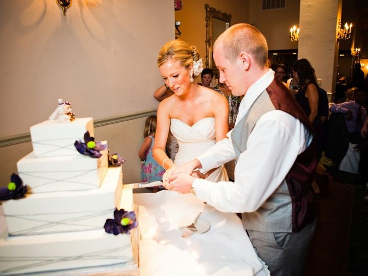 Tmx 1347912938584 029020110723DianaandRichardWedding Cincinnati, Ohio wedding cake