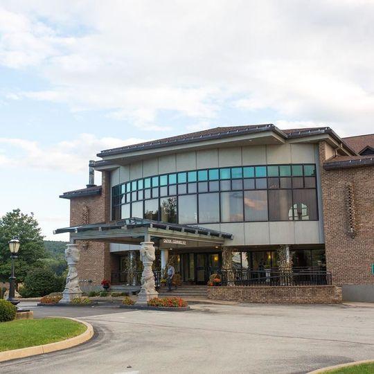 Exterior view of Chestnut Ridge Resort