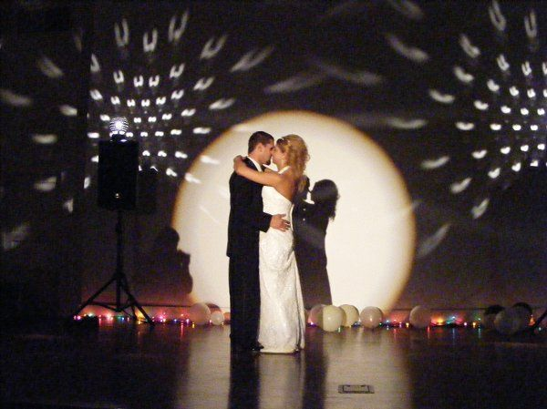 How's that for a first dance?  We provided the Mini Starballs and the First Dance Spotlight too!