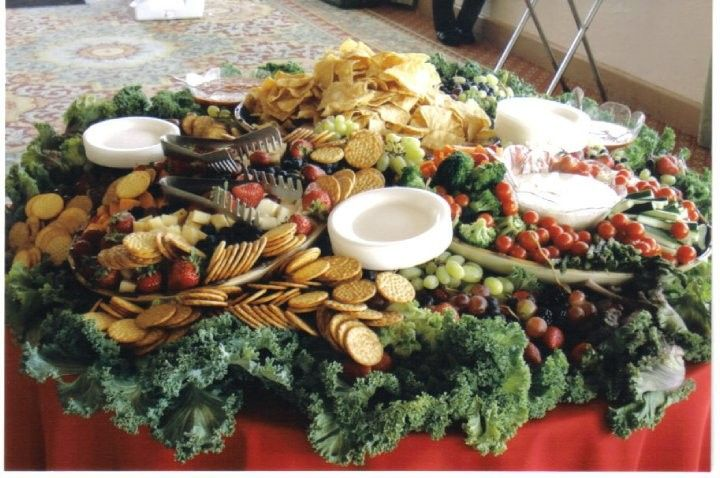 chips and vegie table