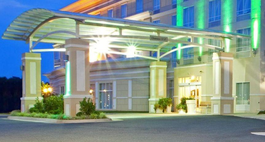 Exterior view of Holiday Inn Dumfries - Quantico Center