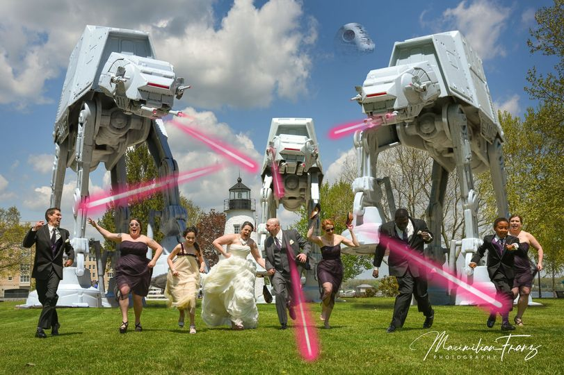 f603bfd9487b7312 1534791244 9a94a6b06284bae4 1534791220789 70 Star Wars Wedding