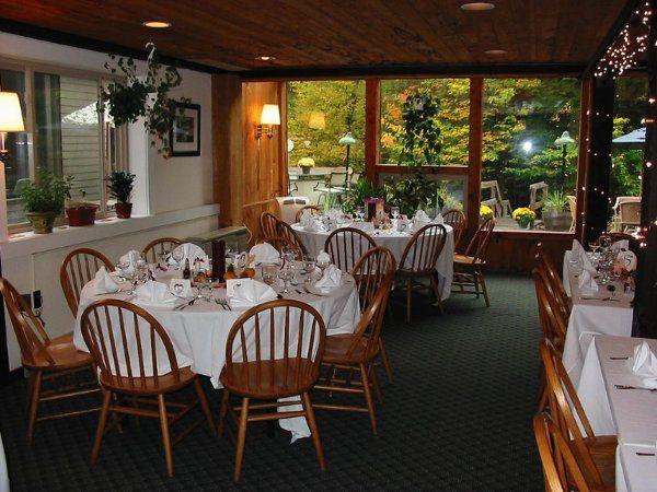 diningroomroundtableswhitelinen