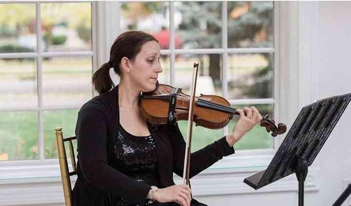 Lauren Canitia, Violinist