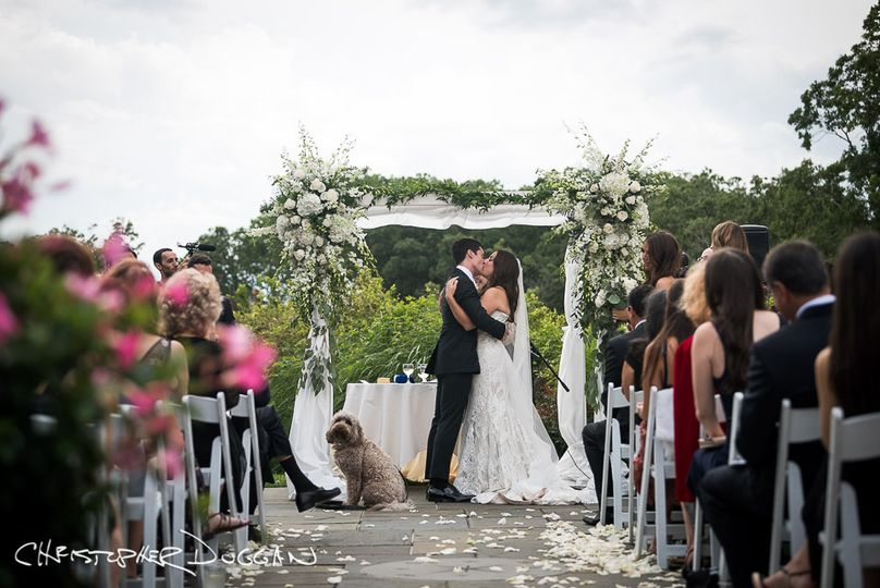 mamaroneck ny hampshire country club wedding photographer christopher duggan lindsay matt 2018 976 51 178952