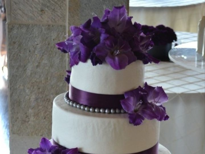 Tmx 1353774652395 DSC5949 Lenexa wedding cake