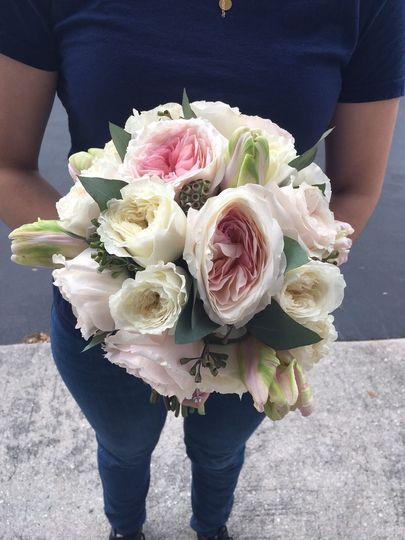 Garden roses & tulips bouquet