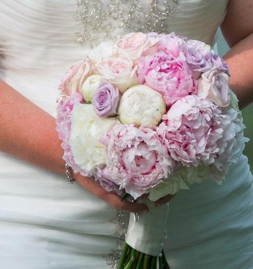 Floral: KensingtonPhoto: Ryan Brandoff Photography