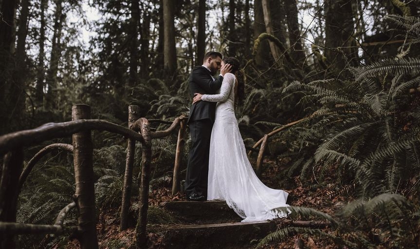 Tree house point elopement