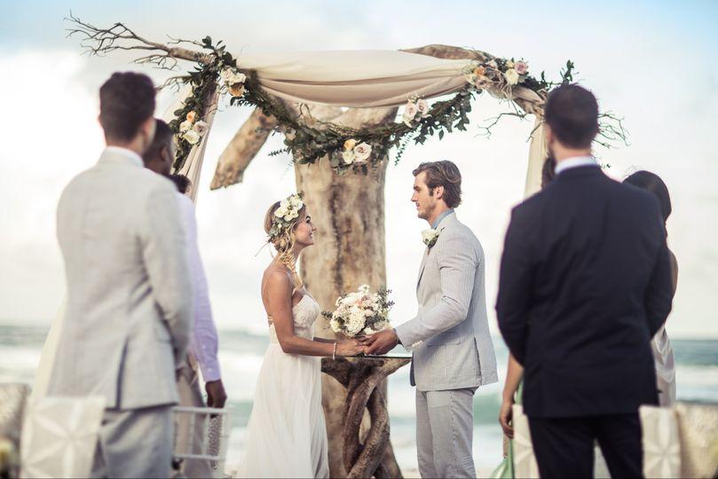 driftwood romance ceremony 6449 51 723162 1567451543