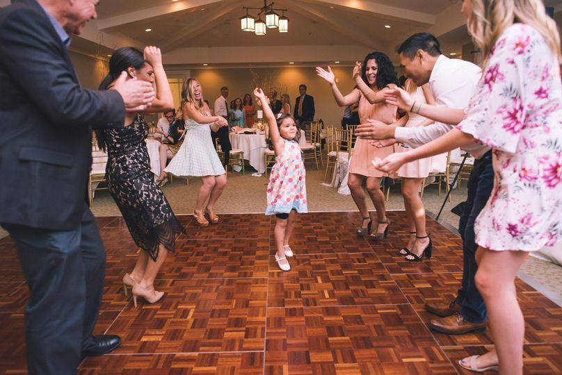 Guests dancing 2017