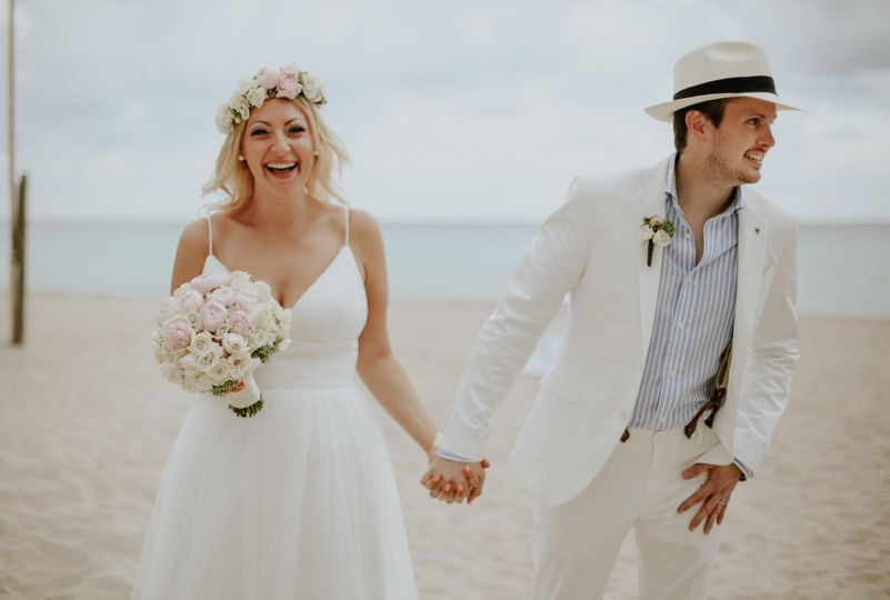 Happy Elope Newlyweds