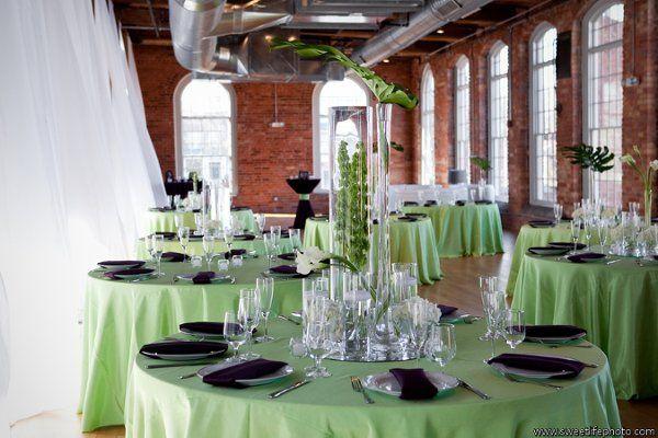 Tmx 1321633470401 AlstonLoadholdtwww.sweetlifephoto.comI04350low Raleigh wedding florist