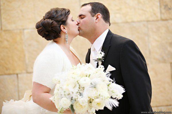 Tmx 1327591027356 Lewischewningwww.whiteboxblog.combethtaylorwedding00894low Raleigh wedding florist