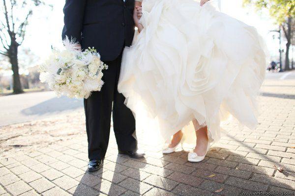 Tmx 1327591174434 Lewischewningwww.whiteboxblog.combethtaylorwedding04490low Raleigh wedding florist