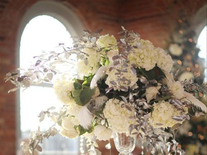 Tmx 1327591217684 Lewischewningwww.whiteboxblog.combethtaylorwedding04610low Raleigh wedding florist