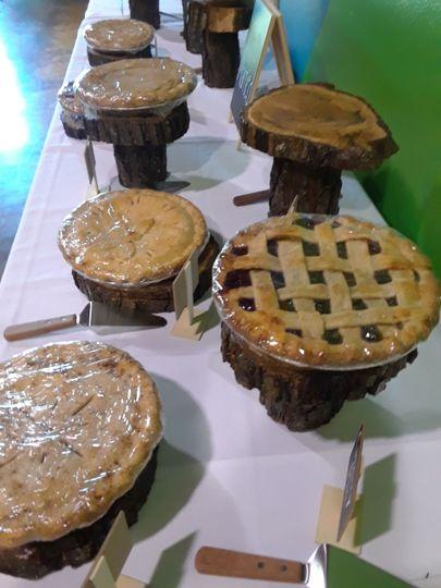 Wood Pie Stands