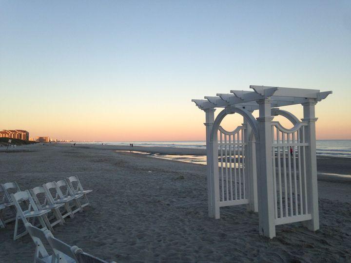 62b97f9d2995c20c Beach Ceremony 4