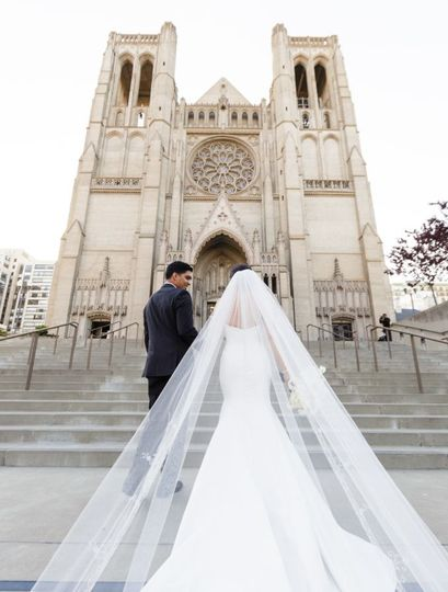 Bride entering the cathedral