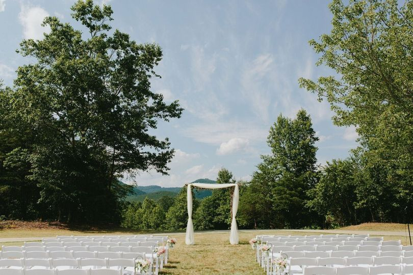 Blue Willow Events | Brian Schindler Photography  #outdoorweddings #rutherfordcountyweddings...