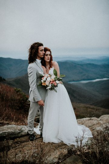 Mountain wedding dress 8