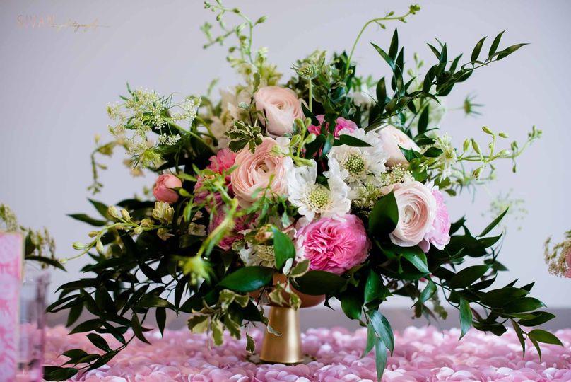 garden gate florals flowers orlando fl weddingwire. Black Bedroom Furniture Sets. Home Design Ideas