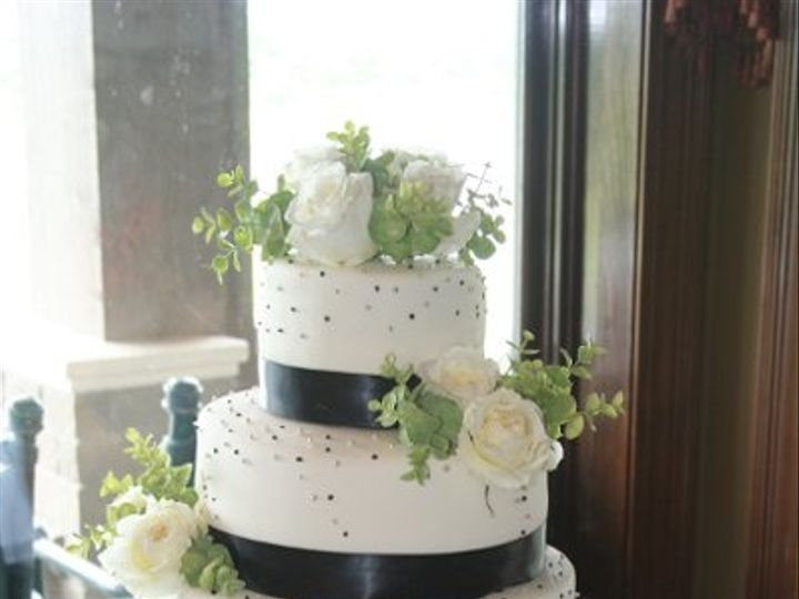 Tmx 1281372510143 Cake015 Scottsburg wedding cake