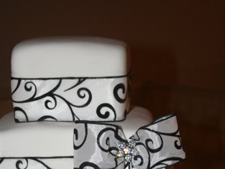 Tmx 1281372515690 014 Scottsburg wedding cake