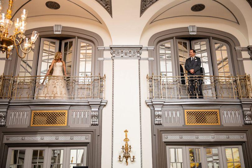 Romeo & Juliette Balcony Photo