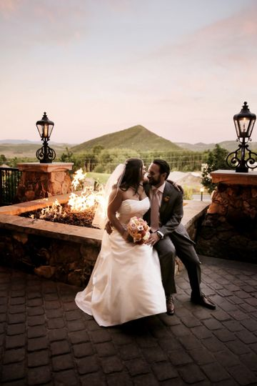 Firepit and scenic views - Pepper Nix Photography