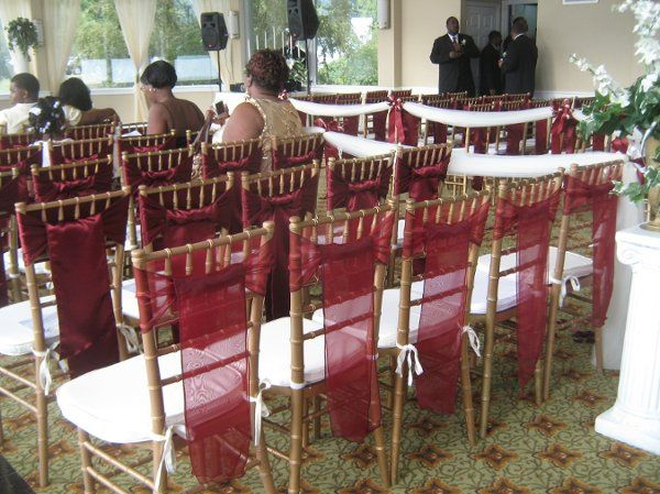 2Show Chair Covers and Linens