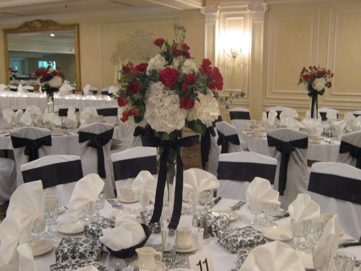 Wedding Flowers at Samuel's Grande Manor in Clarence, NY
