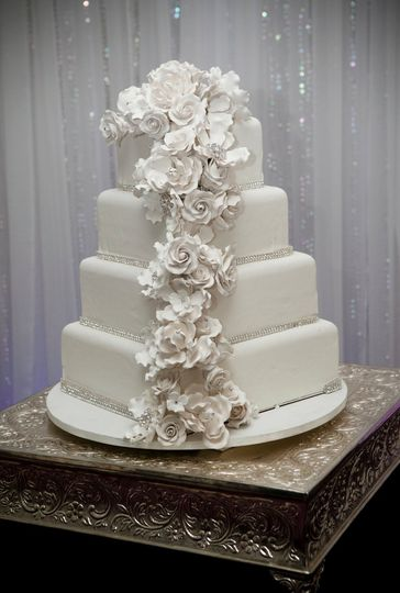 sweet creations cupcakes cakes wedding cake tucson az weddingwire. Black Bedroom Furniture Sets. Home Design Ideas