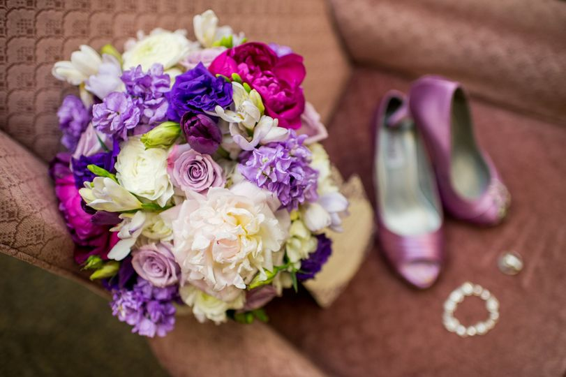 Bridal bouquet, heals, and accessories