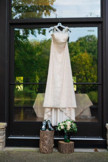 The perfect dress - Melchy Hill Photography