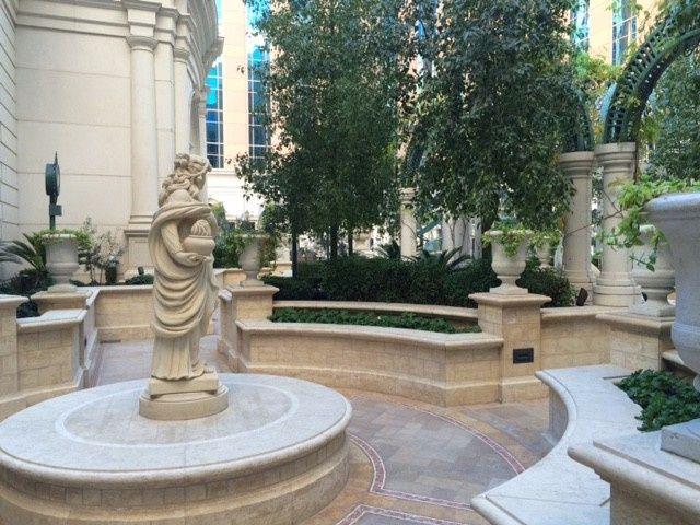 Venezia Pool Garden