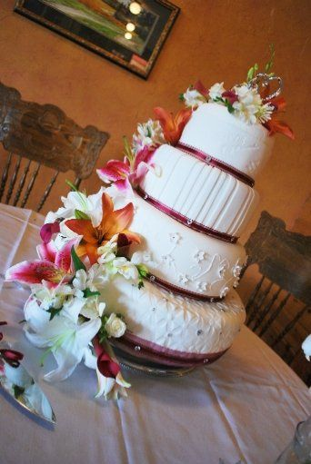 Cake Couture by Urban Perks - Wedding Cake 1