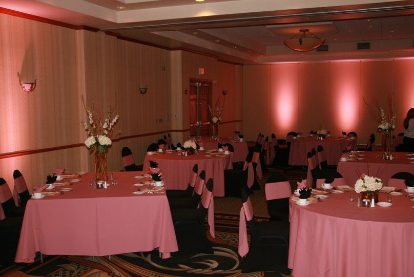 800x800 1507404450711 anniversary party room 014