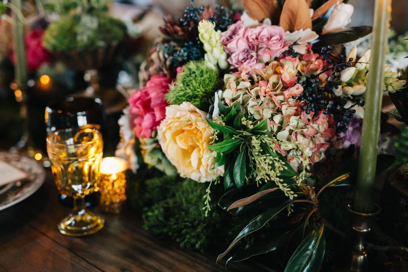 Custom table arrangements