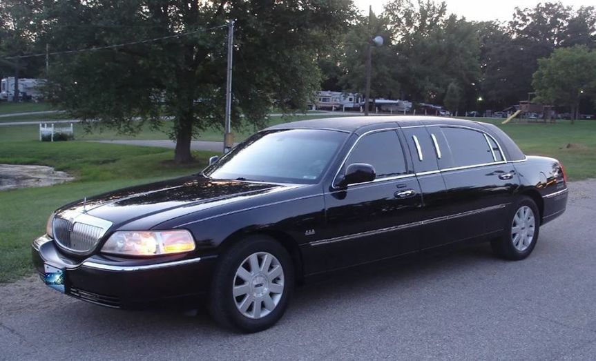 Lincoln Mini Limousine, seats 3