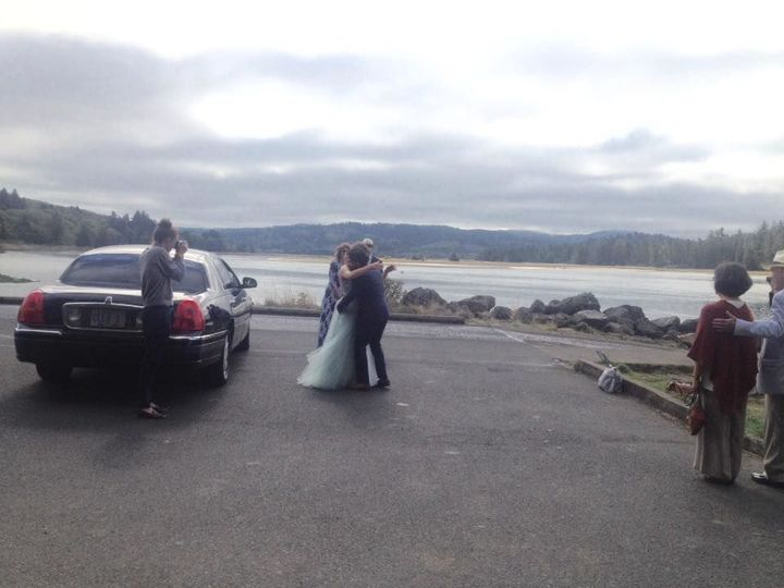 Tmx 1520306777 C0fbe7d98273087c 1520306776 767355927bb0d97f 1520306781427 3 Weddings Lincoln City wedding transportation