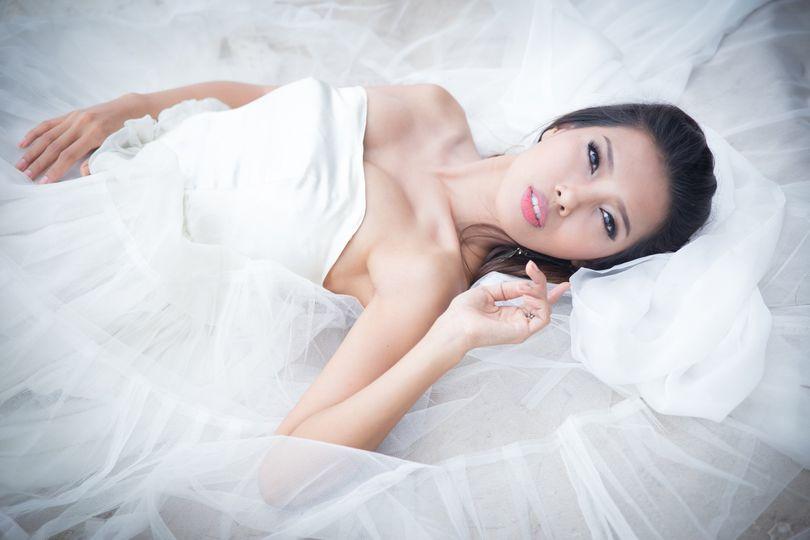 bridalshootbeachwedding