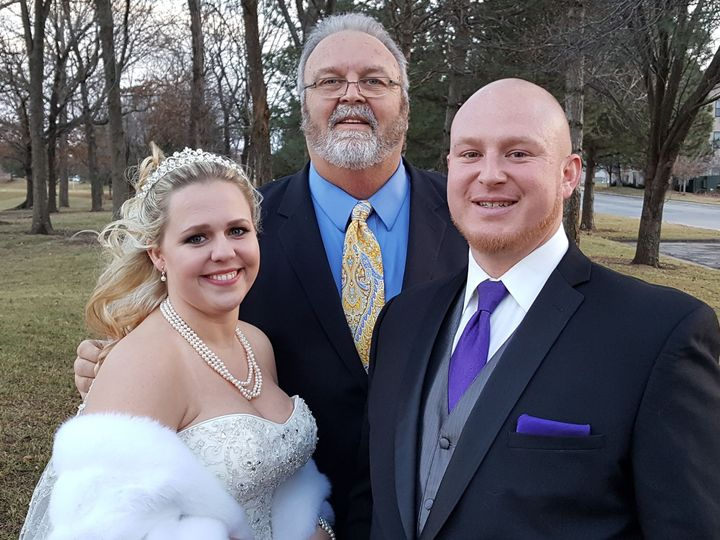 Tmx 1494893716 F2060c190a26a1d3 John Sarah Kyle Lenexa wedding officiant