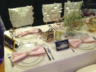 whitec pink table