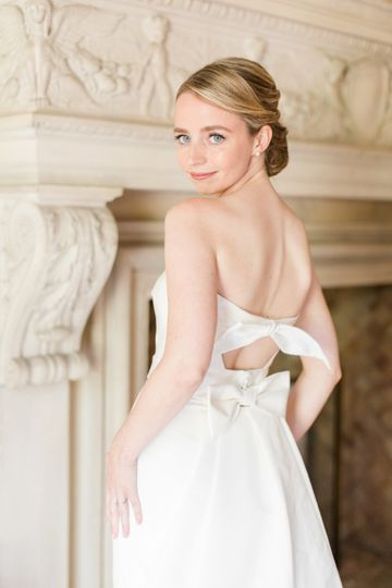 lauren kearns iconic bride estate wedding 1 51 405862 158561489540744