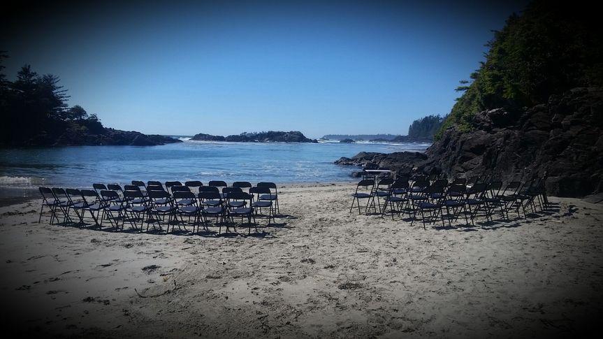 ucluth beach wedding
